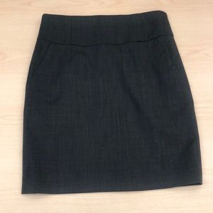Banana Republic Navy Pencil Skirt, Size 4 petite